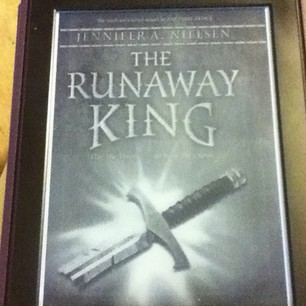 the runaway king mailbox