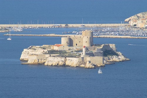 800px-IsledIf_ChateaudIf_Marseille_NDDLG_11032007_JD